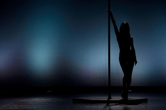 Pole dance – jak przygotować się na zajęcia?