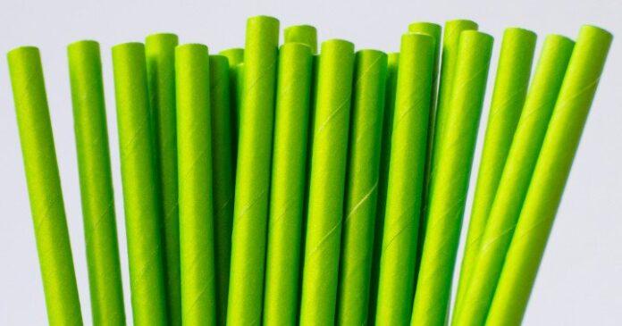 Żyjmy ekologicznie- biodegradowalne słomki