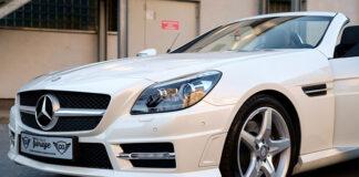 Polerowanie auta, wymaga zastosowania odpowiednich urządzeń