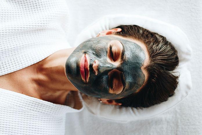 Jak stosować maseczki do twarzy